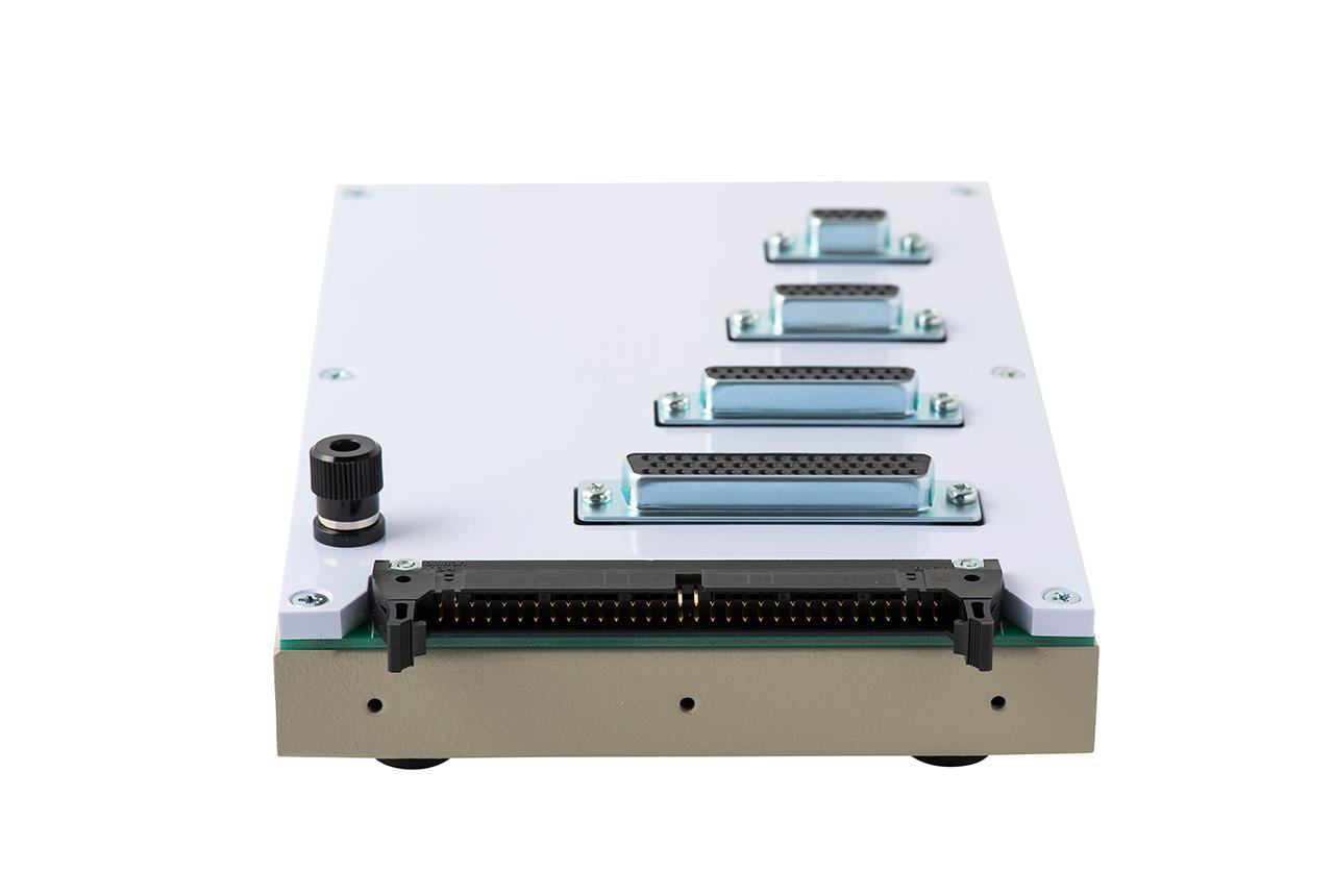 ハーネス検査用 変換アダプタ治具 NM-ADP-05Hの背面コネクタ