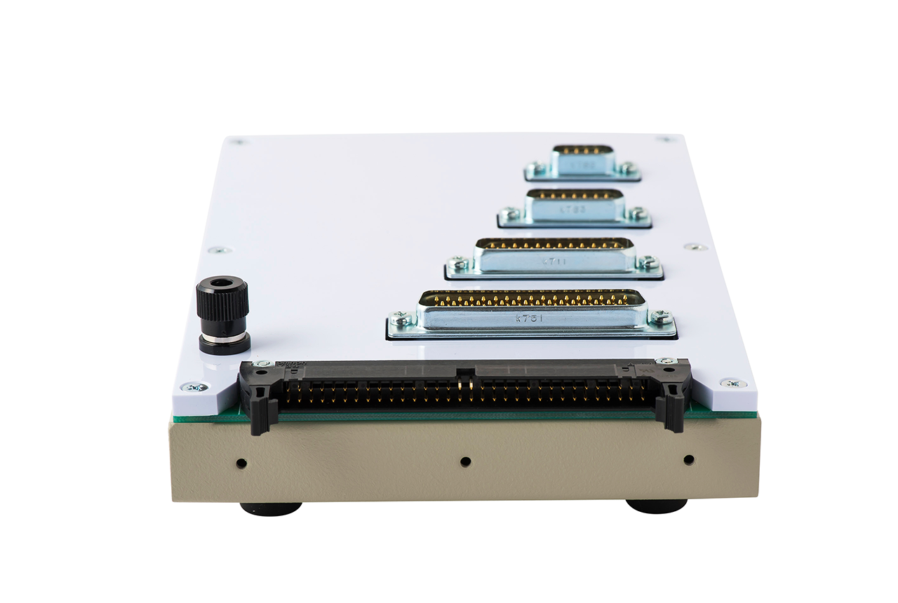 ハーネス検査用 変換アダプタ治具 NM-ADP-06Hの背面コネクタ