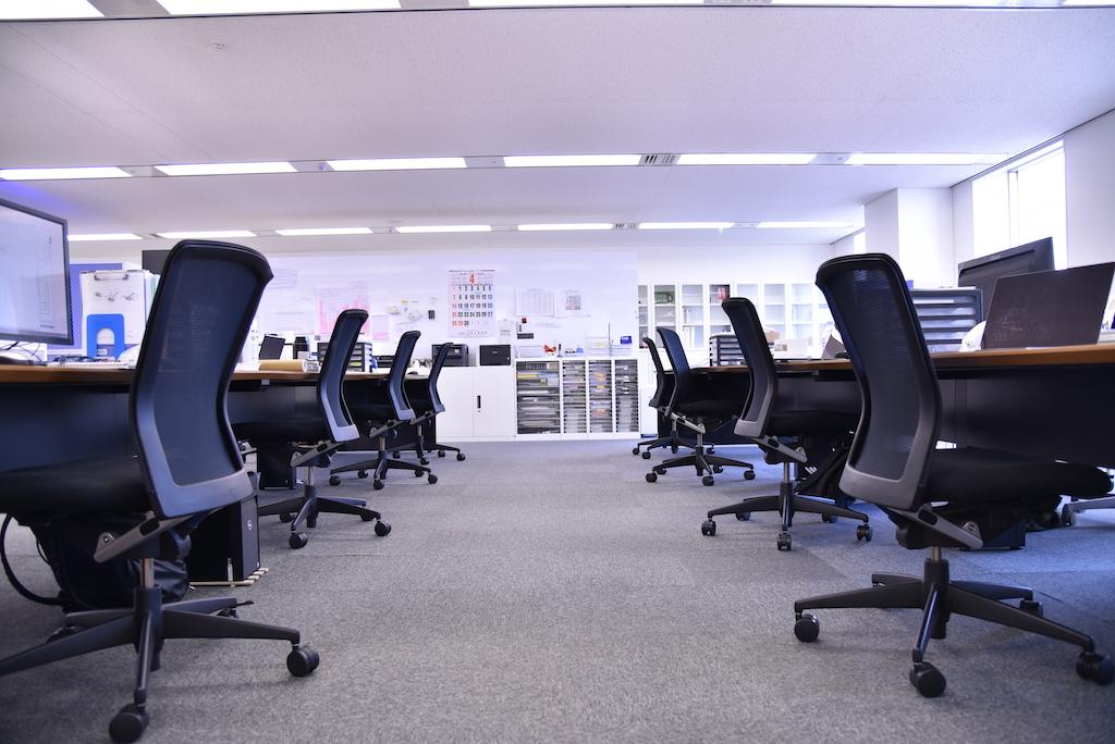 ナックコーポレーションの執務室の一部