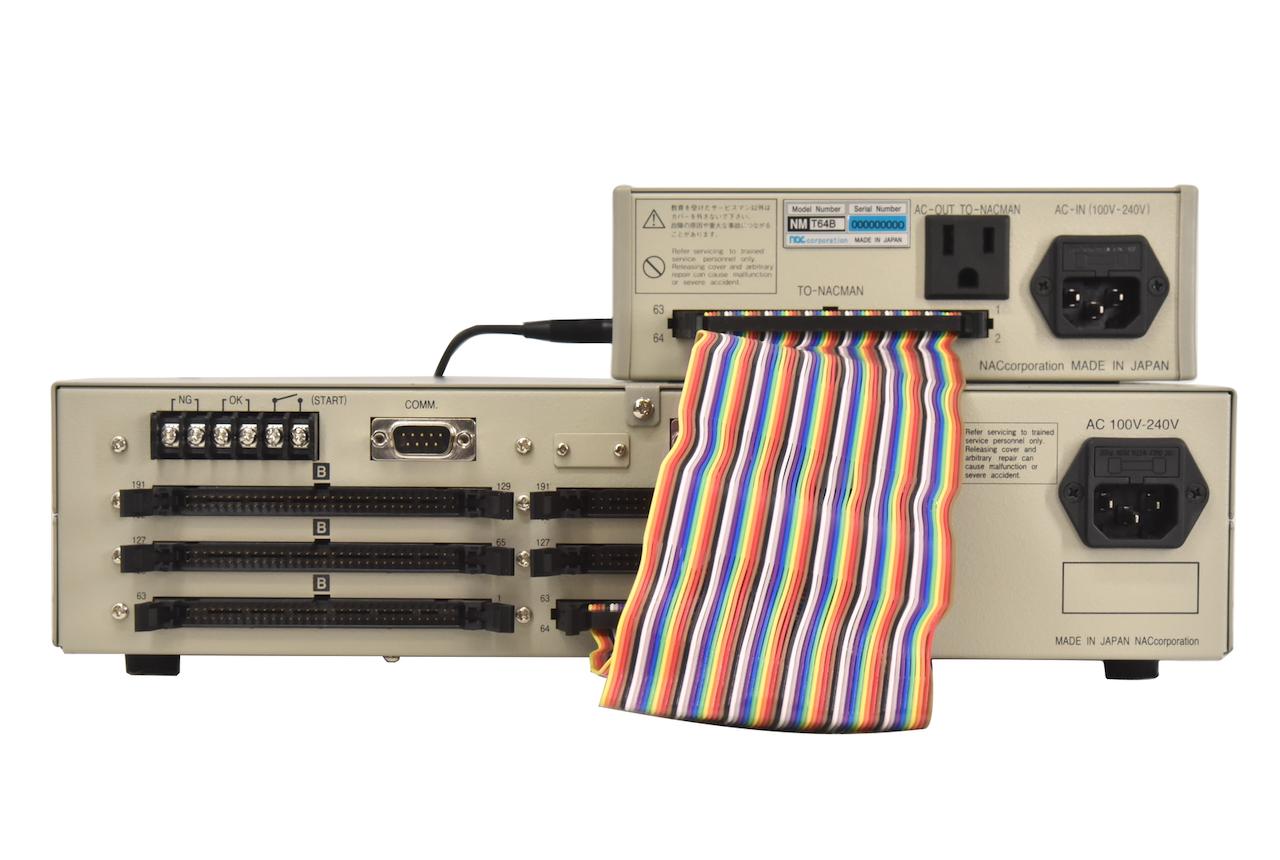 指タッチセンサー NMT64BとハーネステスターNMAとの連結例 背面